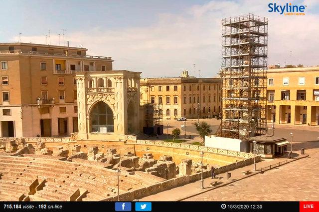 21_Lecce - Piazza Santo Oronzo.TIF