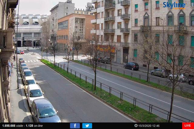 07_Milano, veduta di Via Tonale.TIF