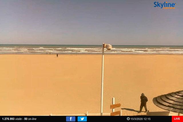 60_Spiaggia di Rimini.TIF