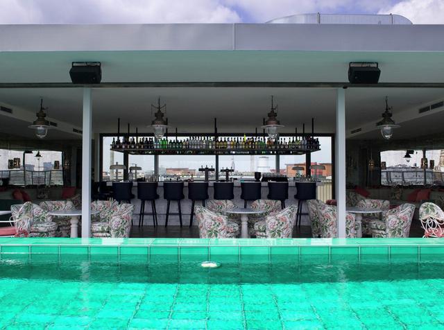 Roof Bar II.jpg