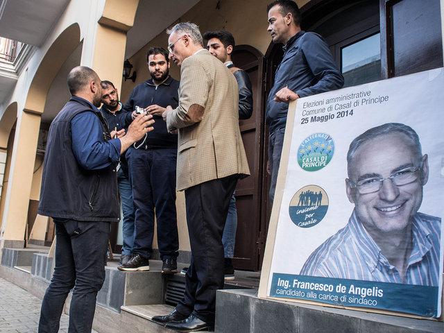 9.Il comitato di uno dei candidati a sindaco F De Angelis