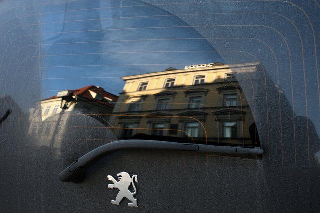 Prague_window_1.jpg