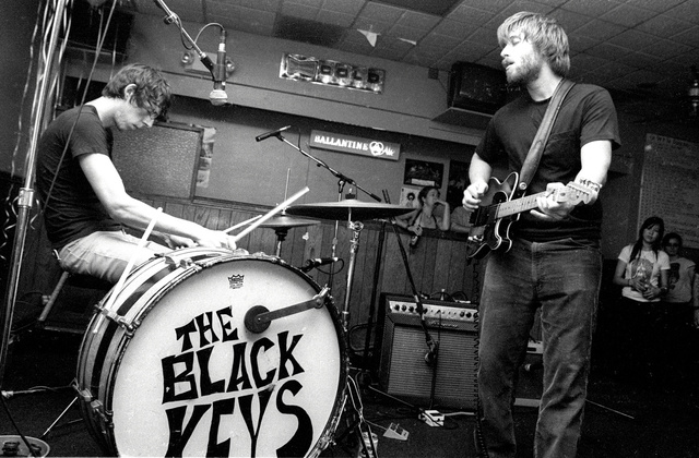 black keys @ beachland tavern, cleveland ohio