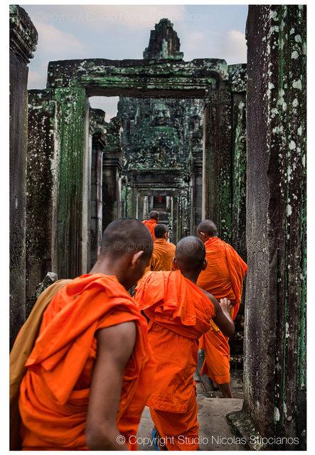 nicolas-stipcianos--©-Copyright-Angkor-Thom,-Cambodia-walk.jpg