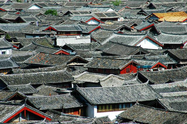 Lijiang Rooftops