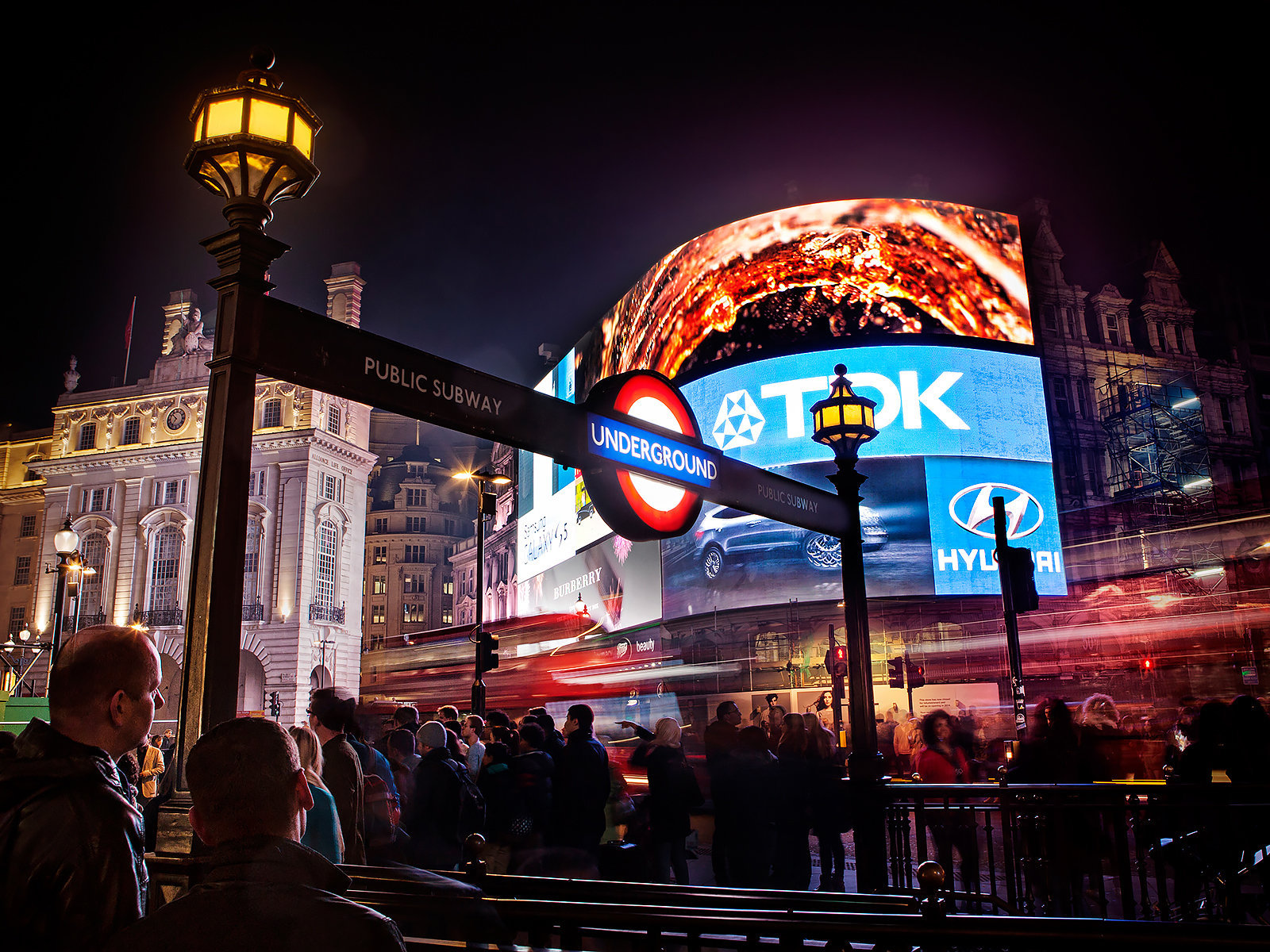 Piccadilly Circus: London