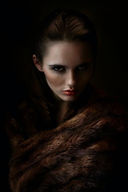 Anastasia Headshot-retouched.jpg
