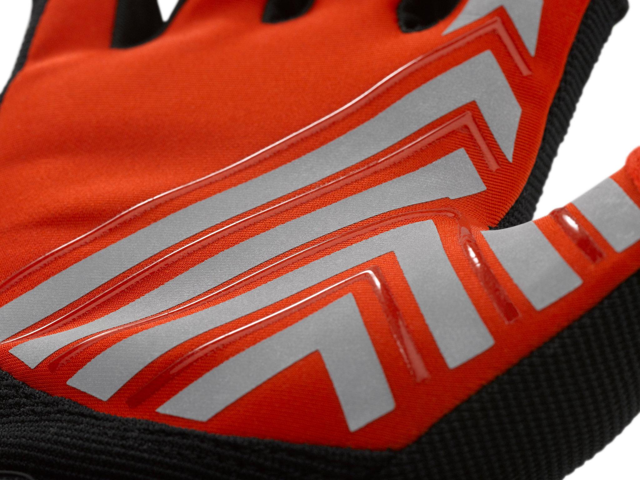 Blauer_Bolt-Shorty-Traffic_Glove_Detail_1.jpg