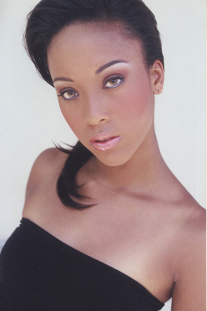 MISS TRIAD MODEL OF THE YEAR --   FIAUNA TAYLOR