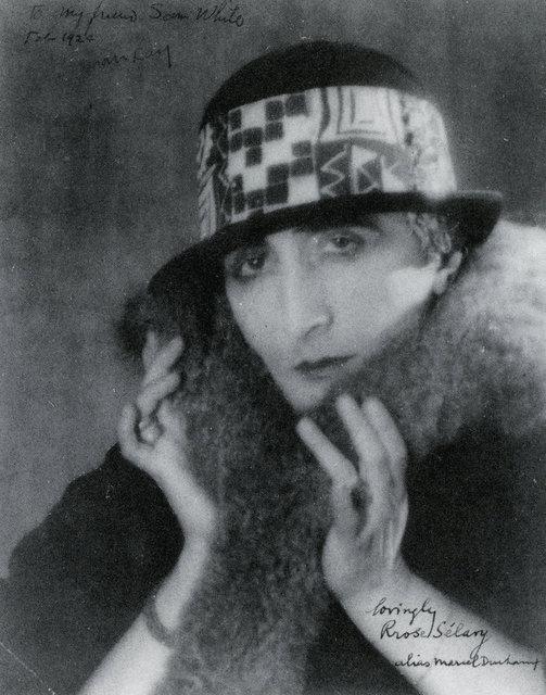 rrose-selavy-alias-marcel-duchamp-1921-man ray.gif
