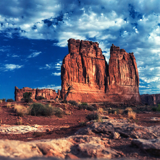 Arches Entrance Drive 2.jpg