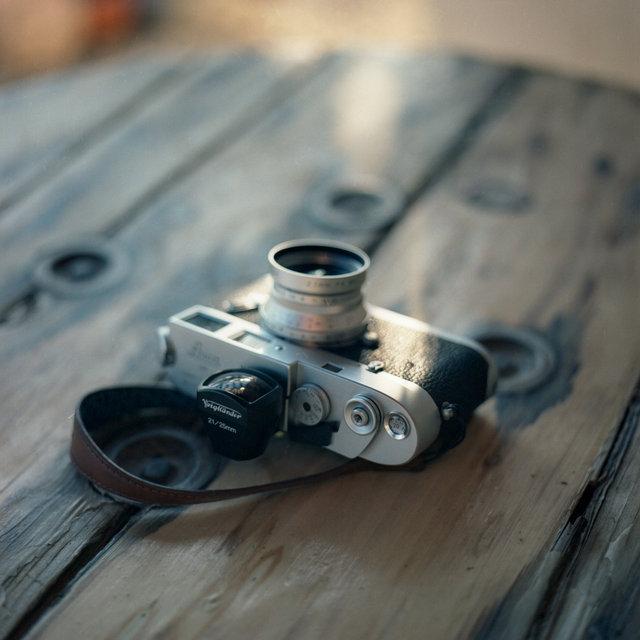 LeicaM4-2.jpg