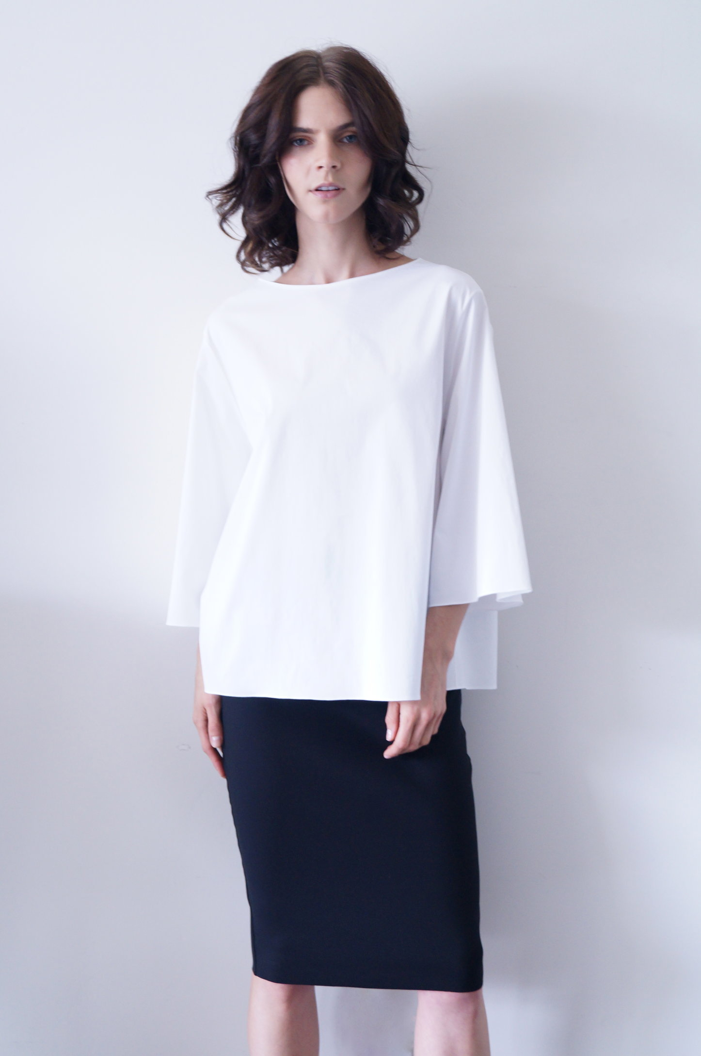 bolarin top in white cotton   590.00