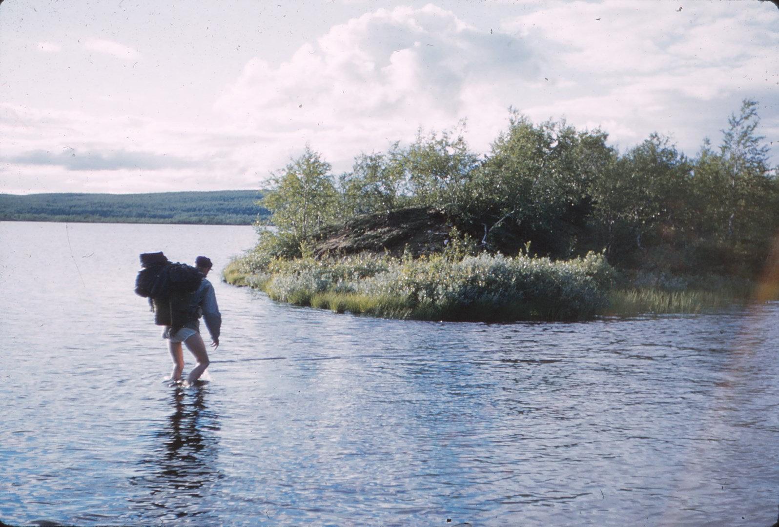 1073 (37) Doorwaden rivier