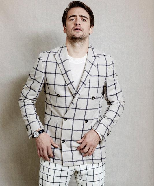 AVincent Piaza Stripe suit new-2 Croop.jpg