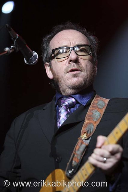 elvis_costello_5_23_08-51.jpg