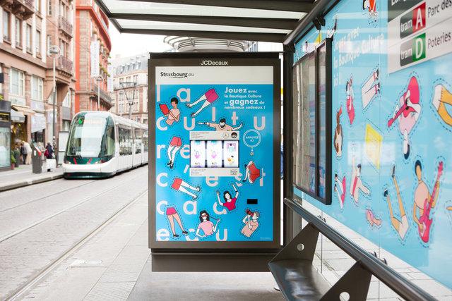 Abribus JCDecaux avec animation spéciale intégrée au mobilier - Strasbourg 2017