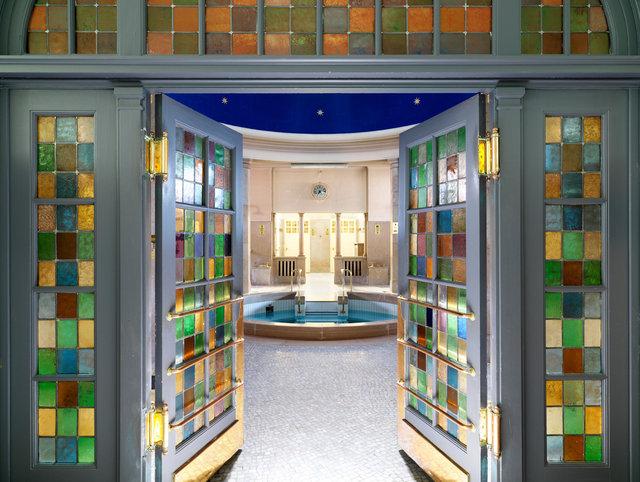 Piscine P. et M. Curie - bains romains // Mulhouse