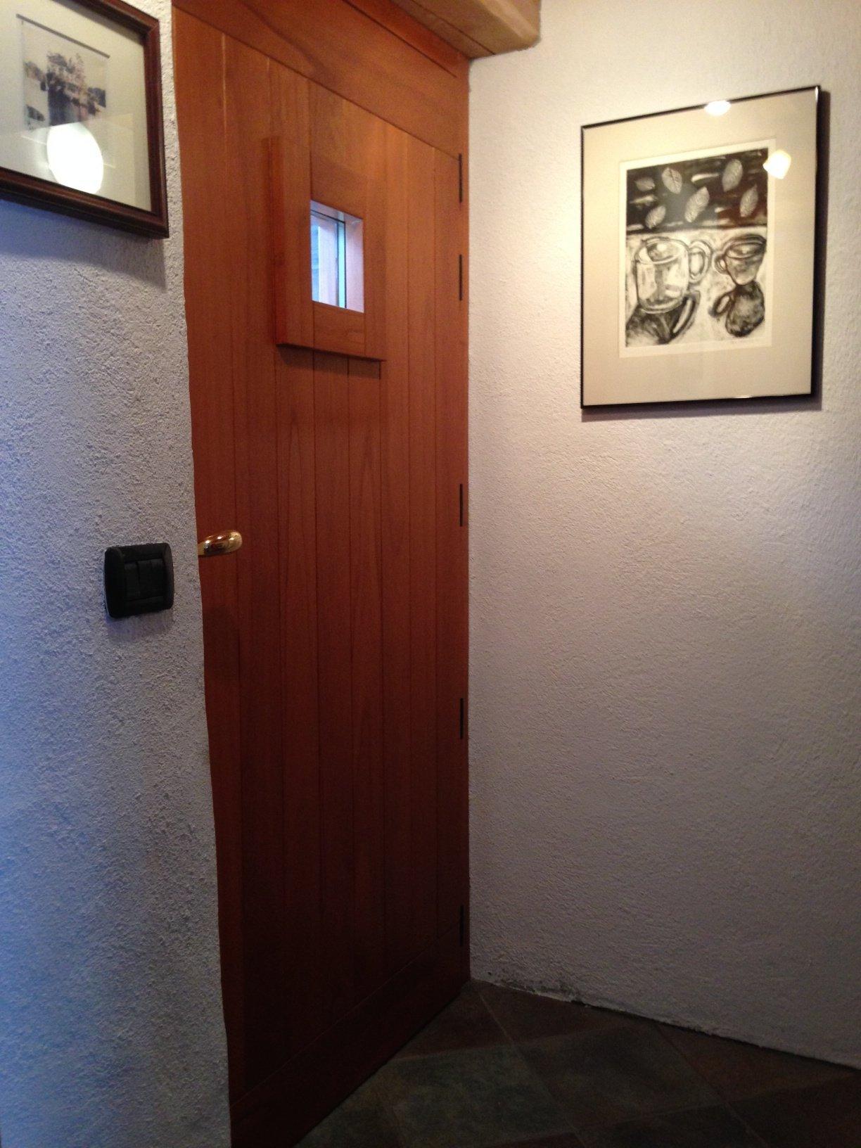 Front Door/Entrance & Foyer