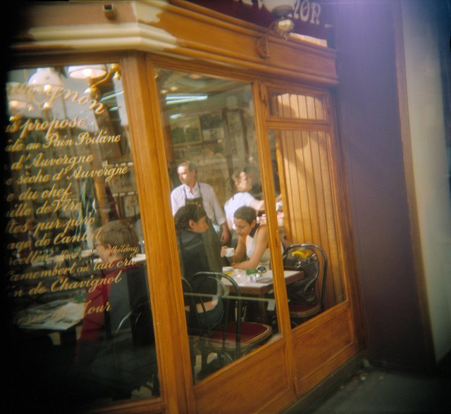 Holga France 62 #11-03_#8_CafeScene