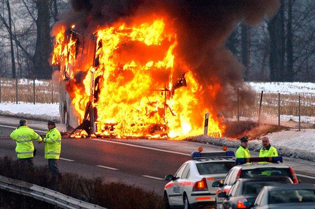 Incendie Car - Bursinel - 2005
