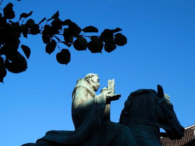 utrecht - wilibrord standbeeld