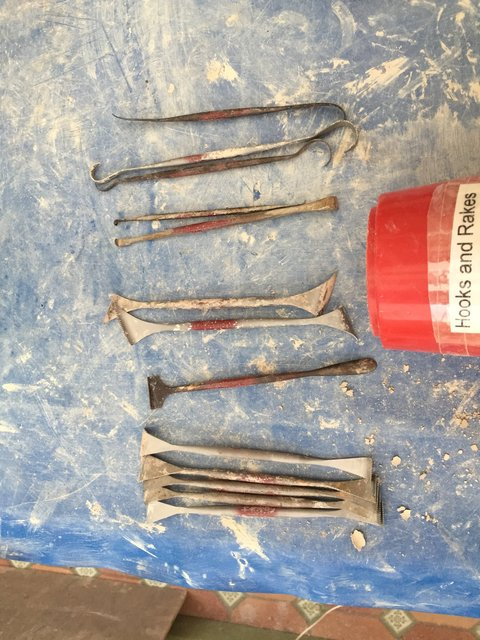 HOOKS AND RAKES  from TIRANTI