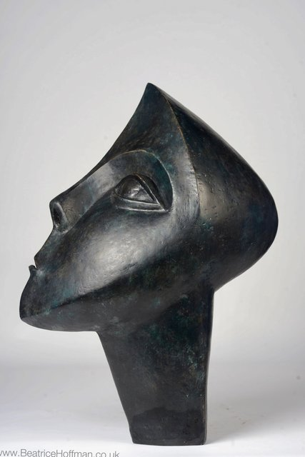 Challenging  1998    70 x 40 x 45 cm   Bronze Resin     RP   £780