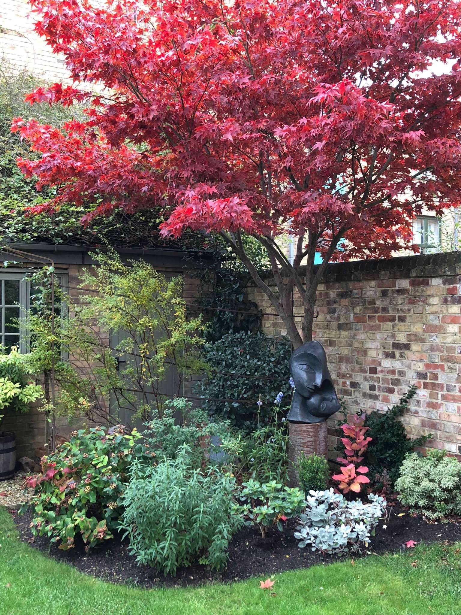 Mother and Child 2 November 2018 Oxford town Garden