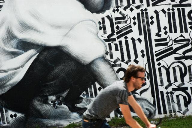Crouching Figure, Miami