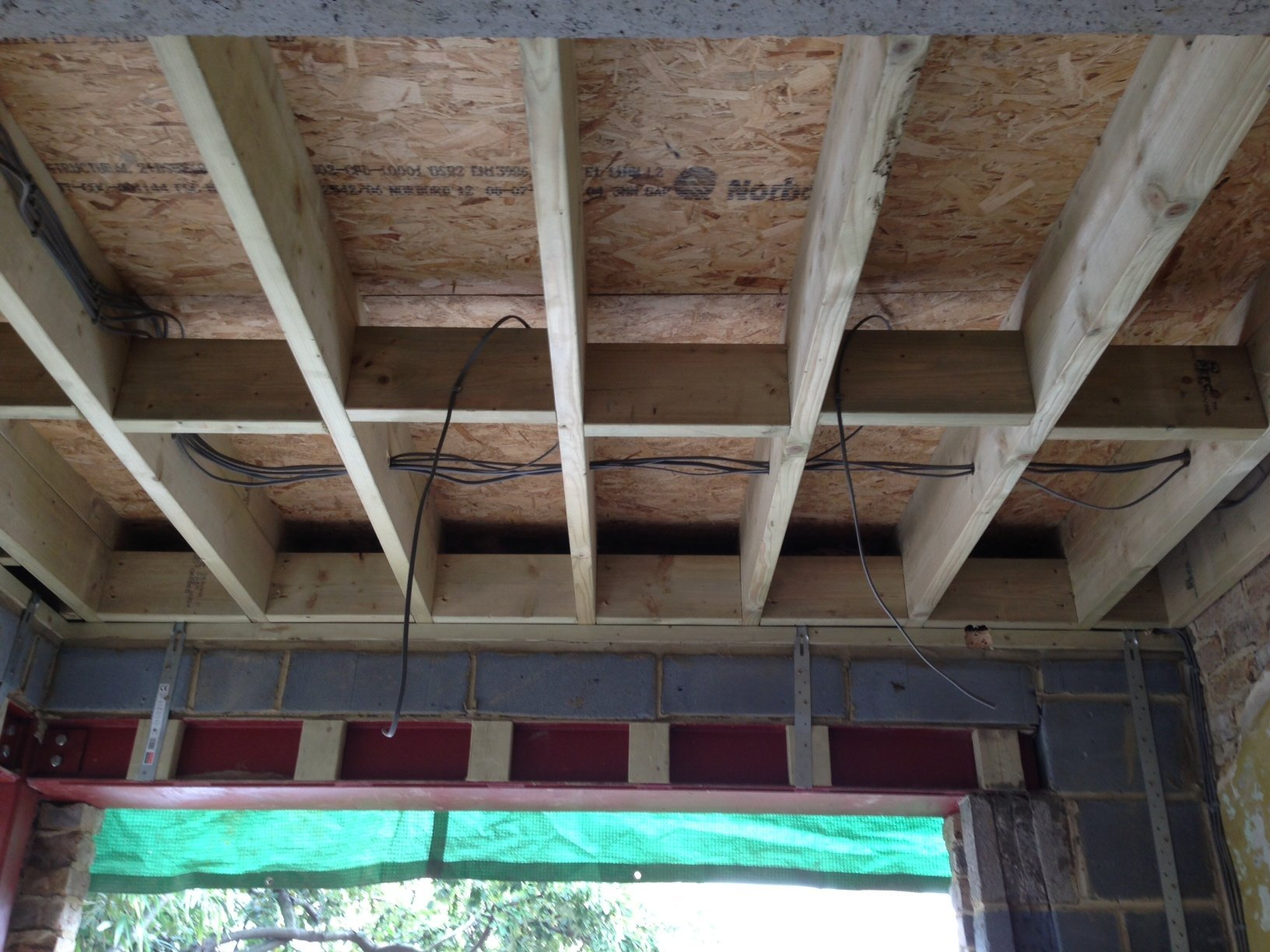 Ceiling and joists (2).JPG