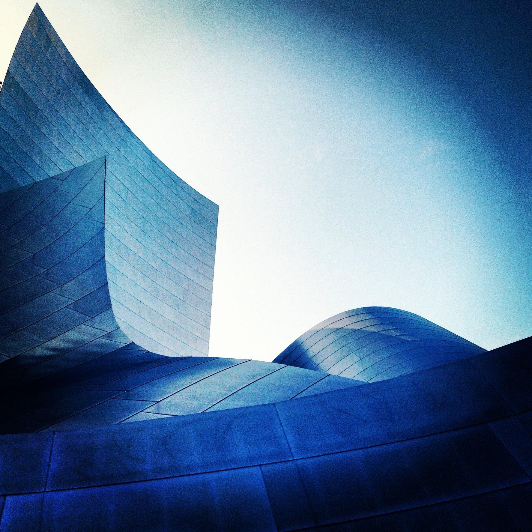 WALT DISNEY CONCERT HALL - BLUE 22