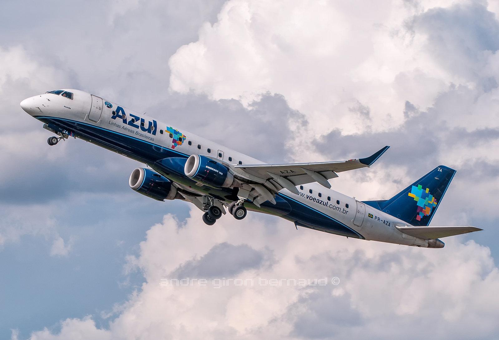 EMBRAER ERJ-190-100IGW Azul Linhas Aéreas PR-AZA