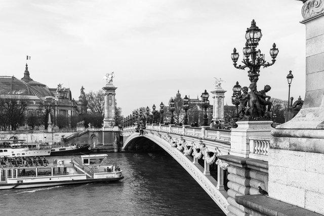 Pont Alexandre III day-018.jpg