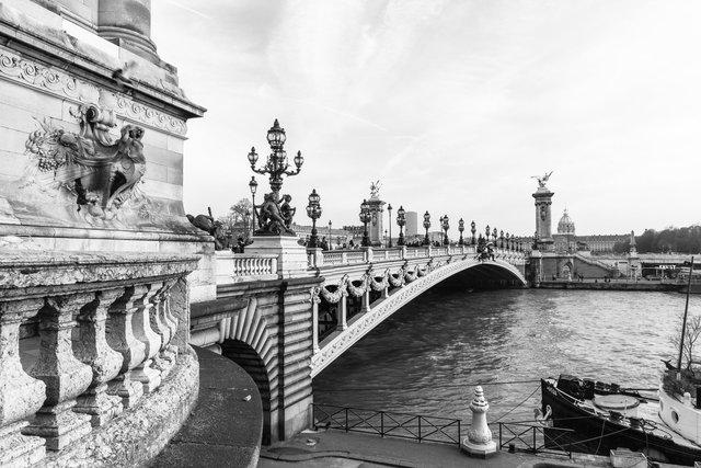 Pont Alexandre III day-003.jpg