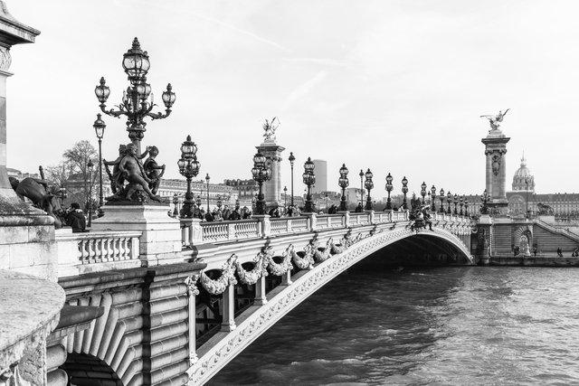 Pont Alexandre III day-002.jpg