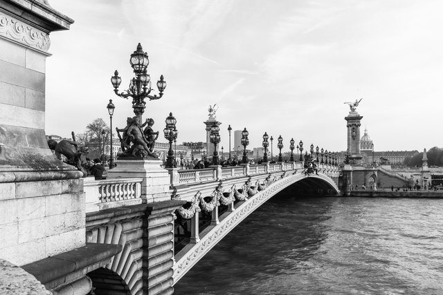Pont Alexandre III day-001.jpg