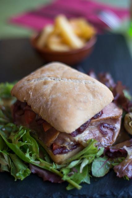 Hamburger du Morvan Bourgogne magazine Novembre 2012