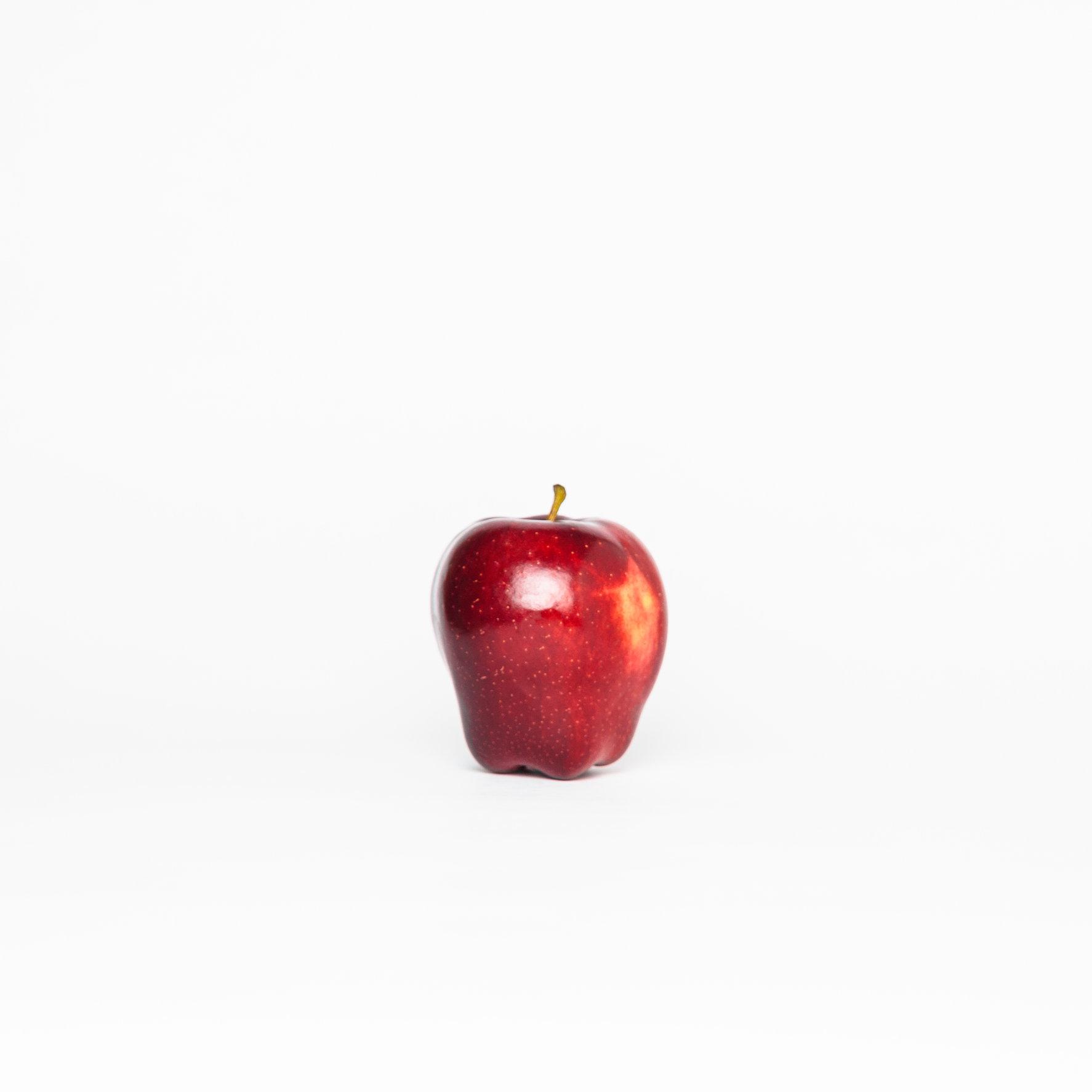 2016-4-Apple.jpg