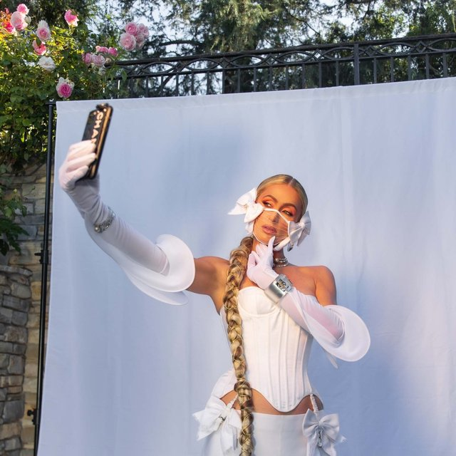 Bukunmi-x-Paris-Hilton-x-Ladygunn0331C2-1536x1536.jpg