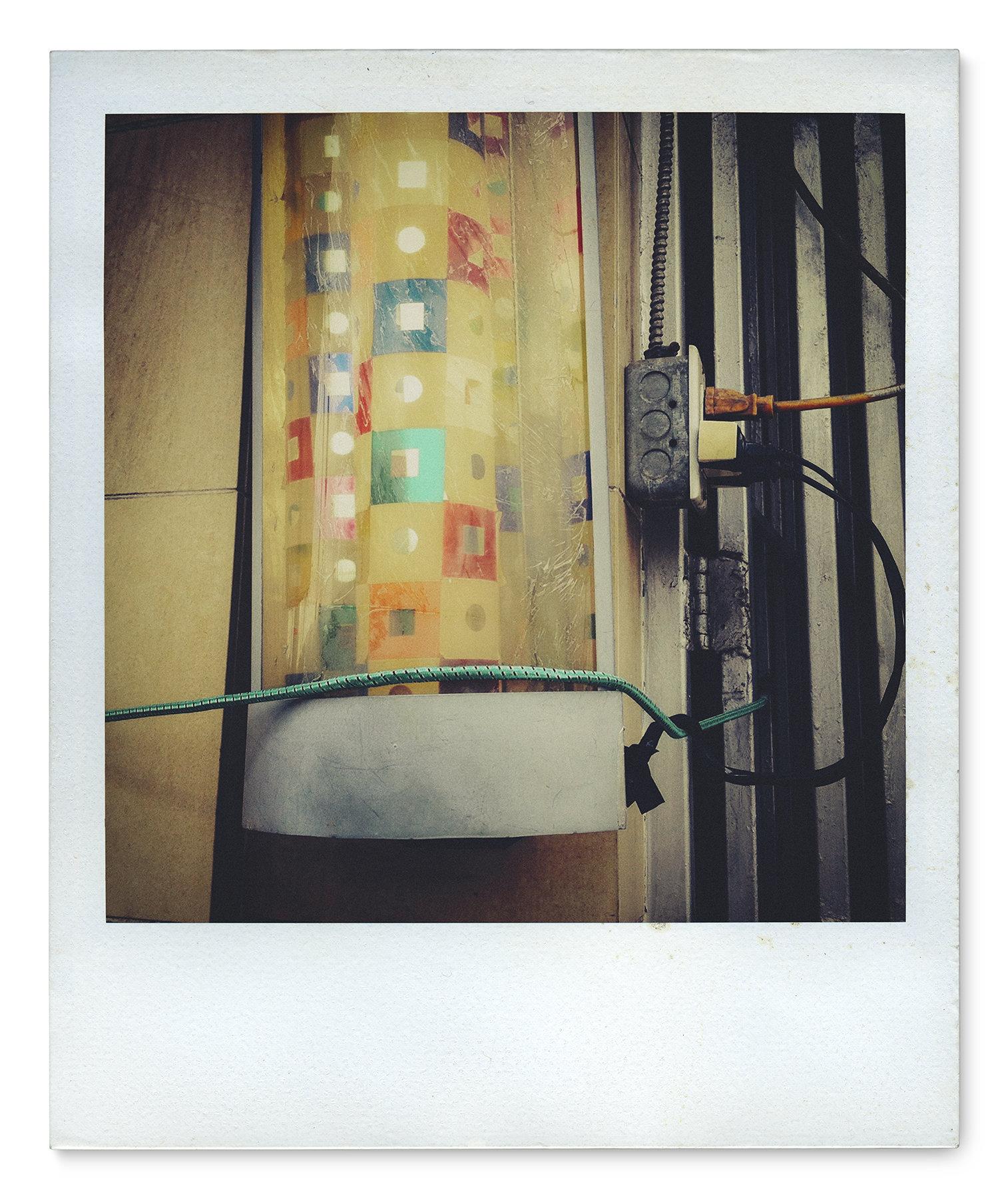 037_Polaroid SX70_IMG_5211.jpg