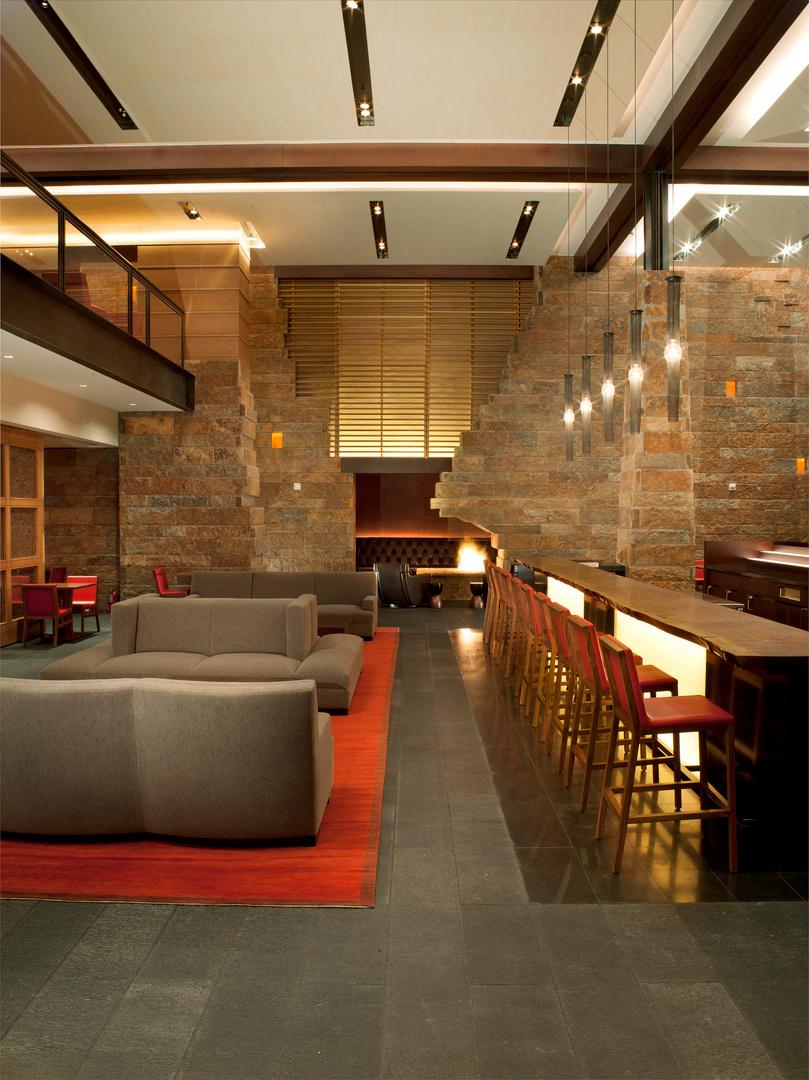 Solaris_Restaurant2.jpg