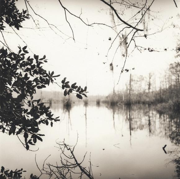 mirrored_lake.jpg
