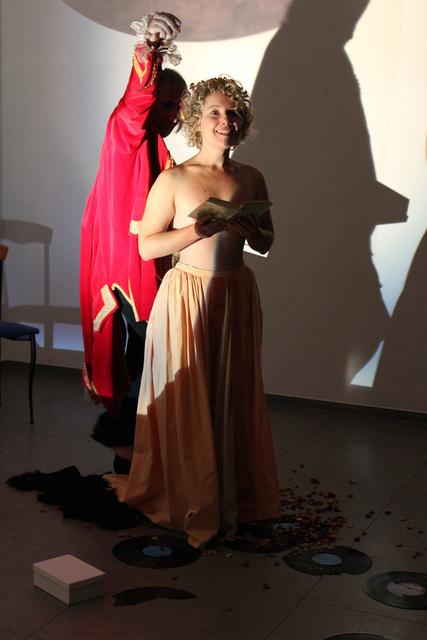 Cage, Bernd Sikora und Helena Hartmann, Ozean-Opera 5.jpg