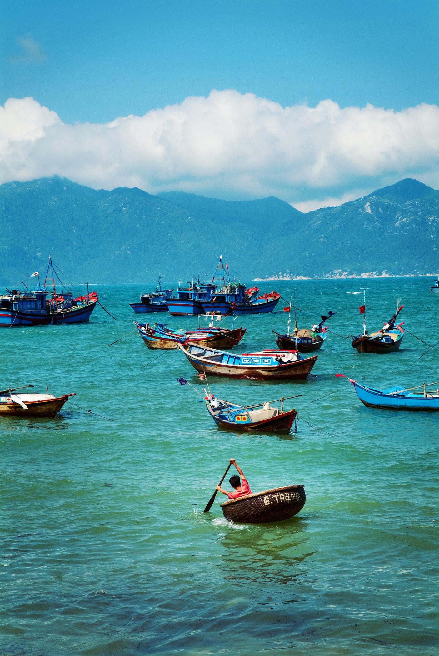 Vietnamese Basket Boats