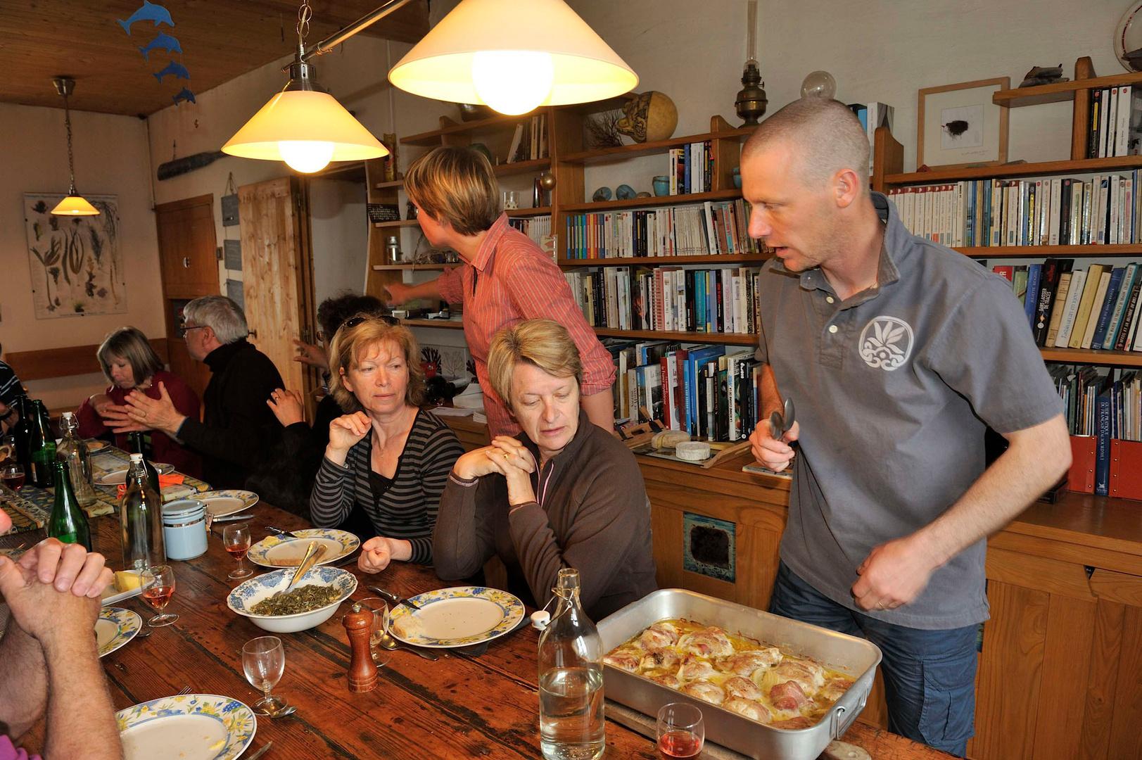 David,cuisinier hors-pair, régale ses hôtes des produits du terroir.
