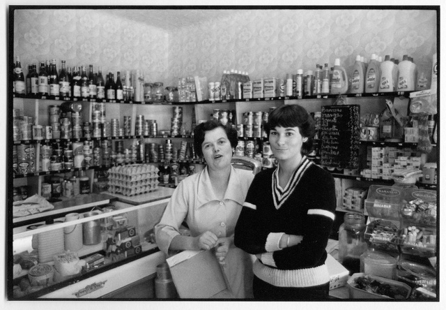 Magasin d'alimentation, Malestroit, Morbihan, 1979