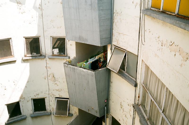 lessive au balcon, mexico city.jpg