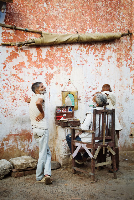 Road Side Barber
