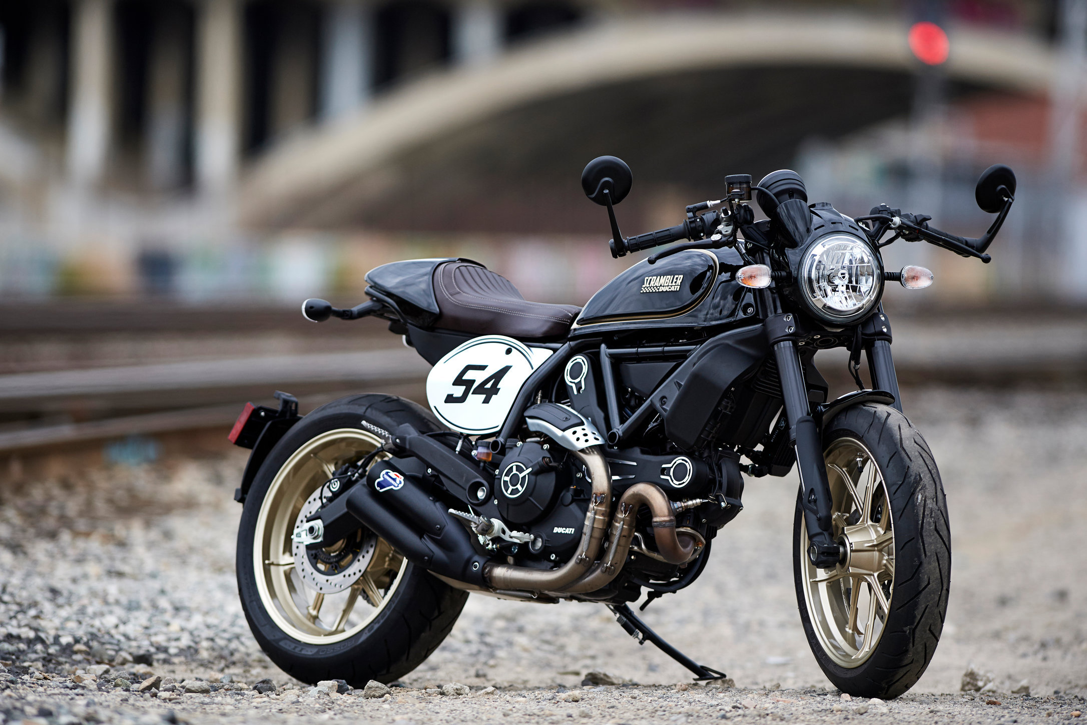 Motorcycle_DucatiScrambler_HERO_Outside_5510.jpg